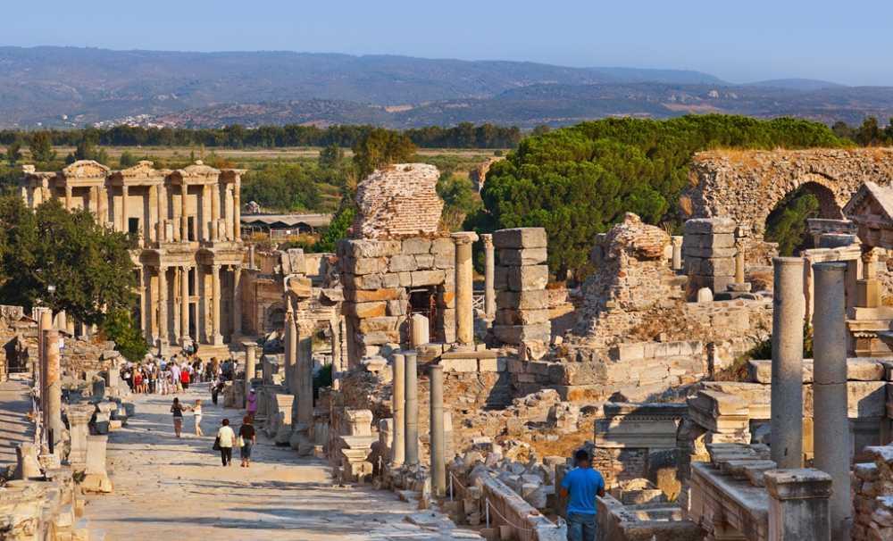 Siyasi Gelişmelerin Turizm Sektörüne Etkileri