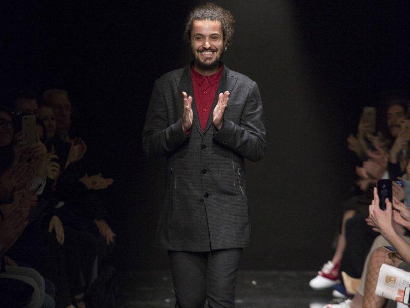 İstanbul Fashion Week'in Genç Tasarımcısı Mert Erkan Defilesi Göz Kamaştırdı