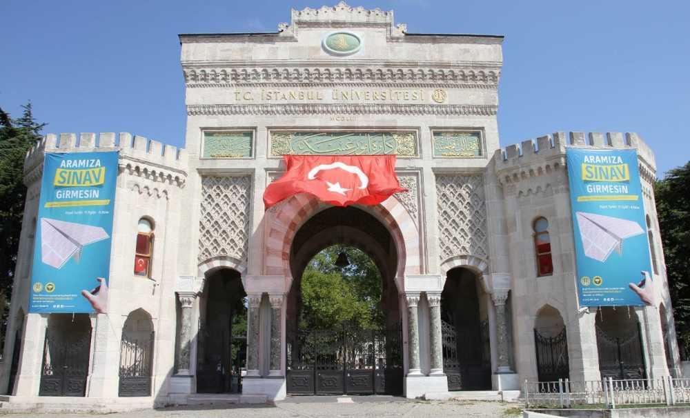 İstanbul Üniversitesi 'Aramıza Sınav Girmesin' Diyor