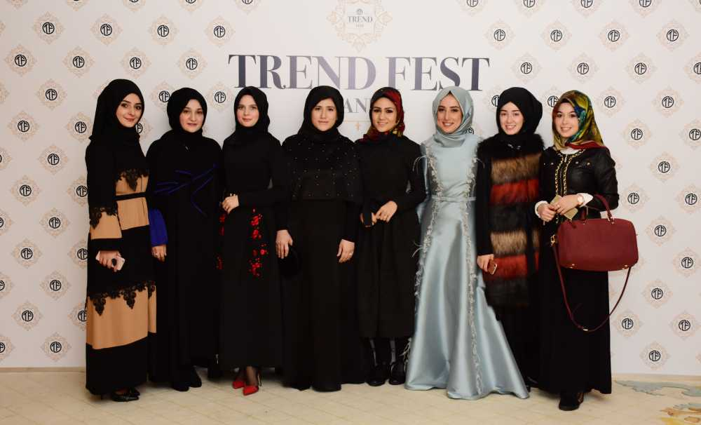 60 Kadın Modacı Halepli Kadınlar İçin Tasarlıyor