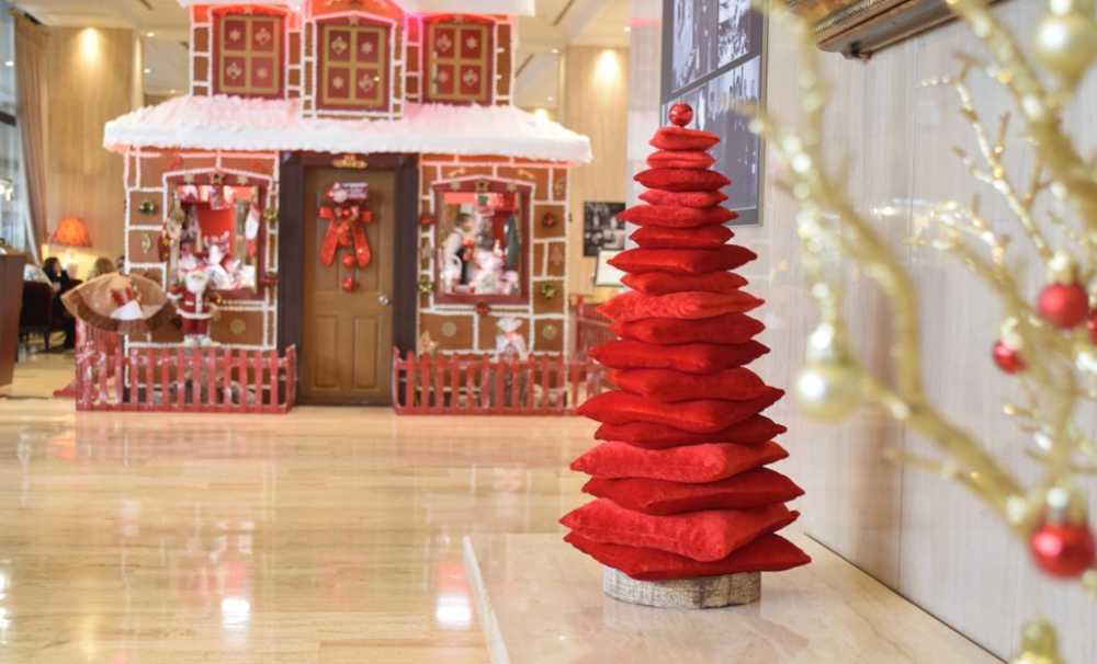 Hilton İstanbul Bosphorus'Un Çok Özel Yılbaşı Ağaçları
