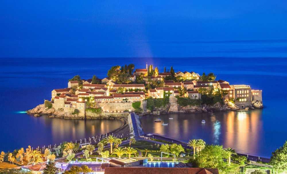 Montenegro'da Bir Taşla İki Kuş