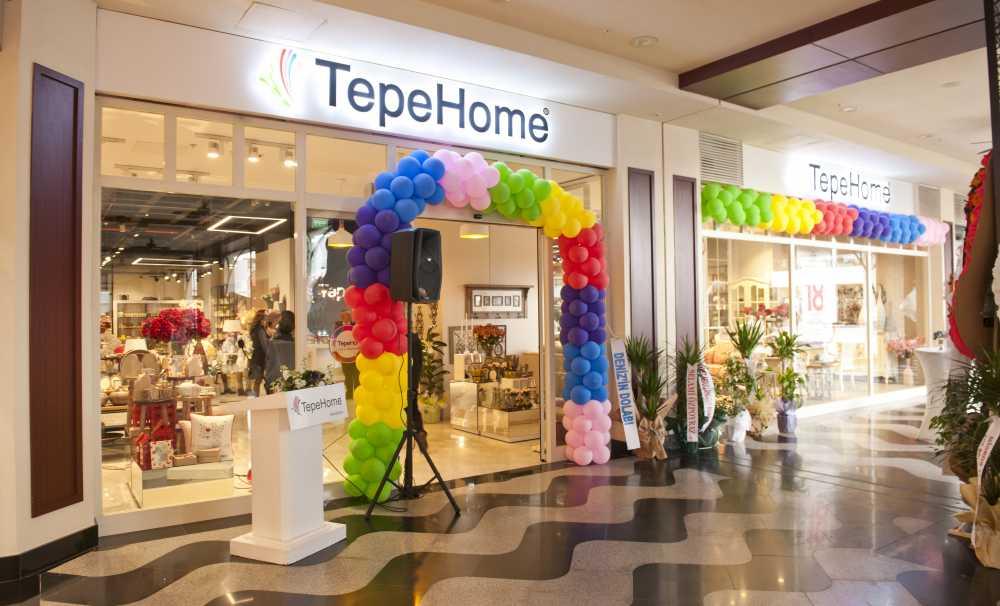 2016'nın ilk mağazası İzmir'de açıldı
