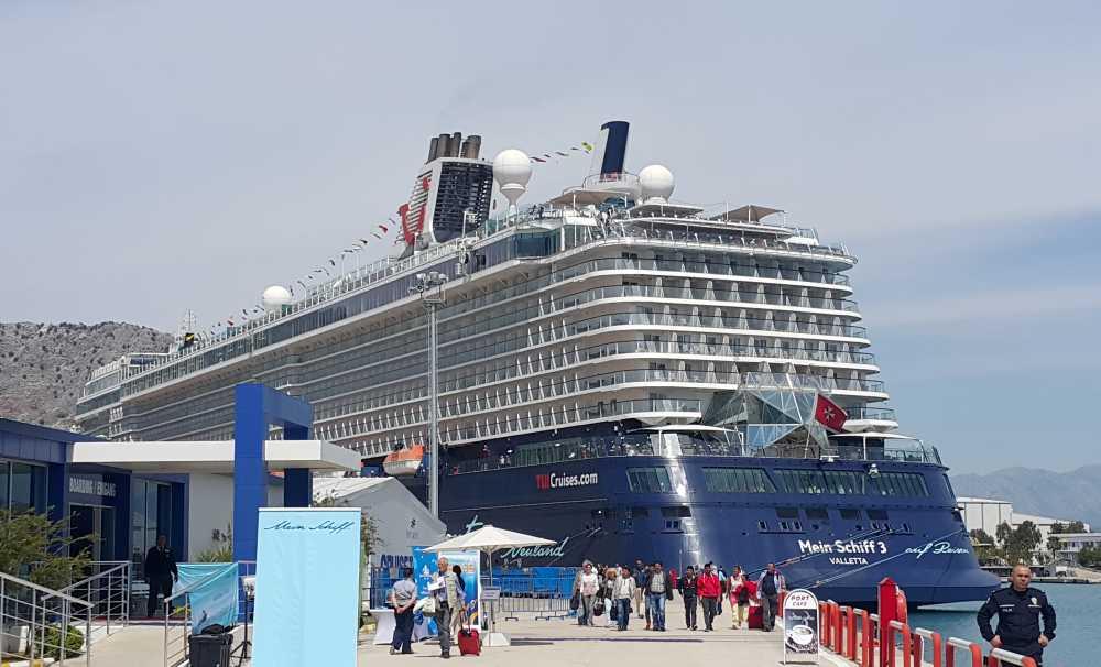Port Akdeniz'e Sezonun İlk Kruvaziyer Gemisi Geldi