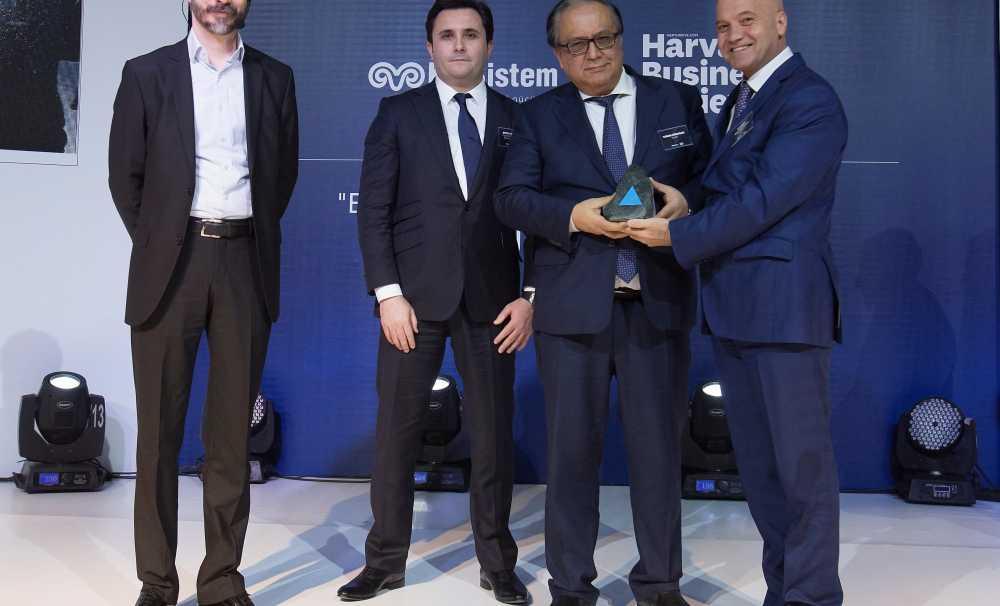 Turan Erdoğan'a En İyi Performans Gösteren CEO Ödülü