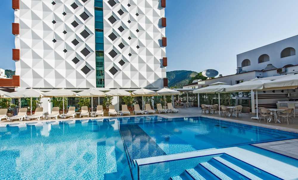 Elite World Marmaris Hotel Yaz Sezonunu Açıyor