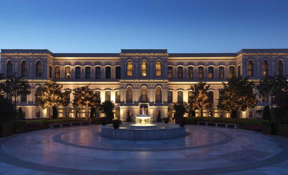Four Seasons İstanbul'a Forbes Travel Guıde'dan 5 yıldız...