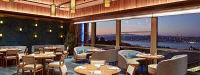 The Ritz-Carlton, yeni açılan eşsiz mekanlarını 20. yıl kutlamasına atfediyor.