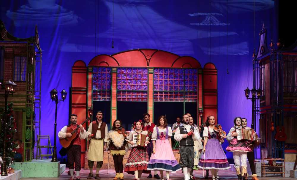 Çocuklara sömestr eğlencesi: Karlar Ülkesi ve Kibritçi Kız sahnede!