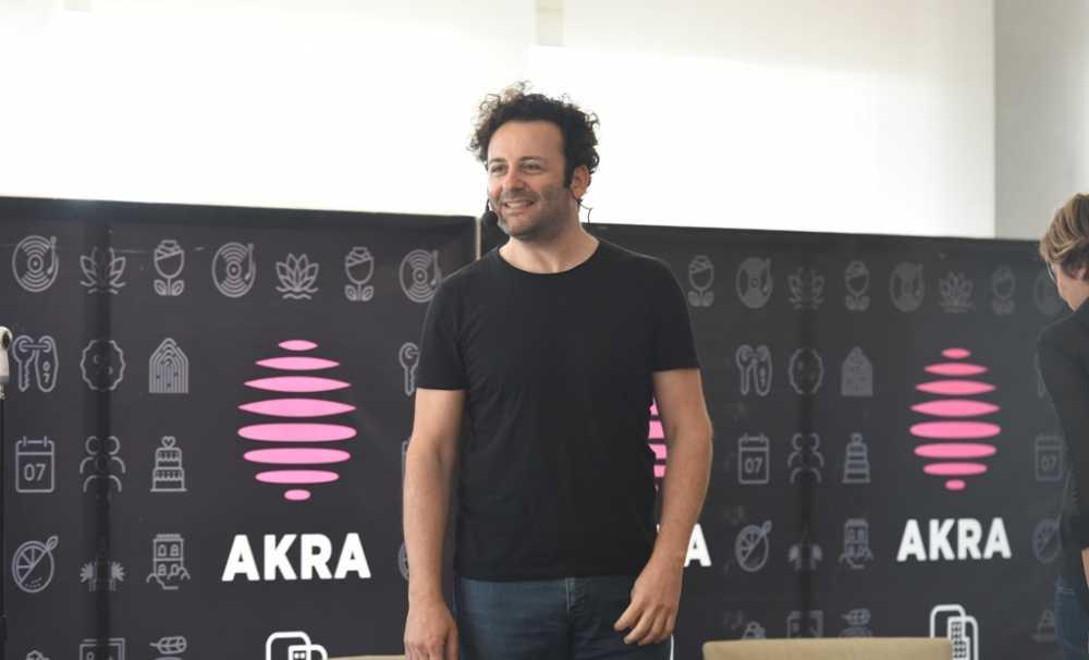 Erdil Yaşaroğlu Akra'da Müjdeyi Verdi