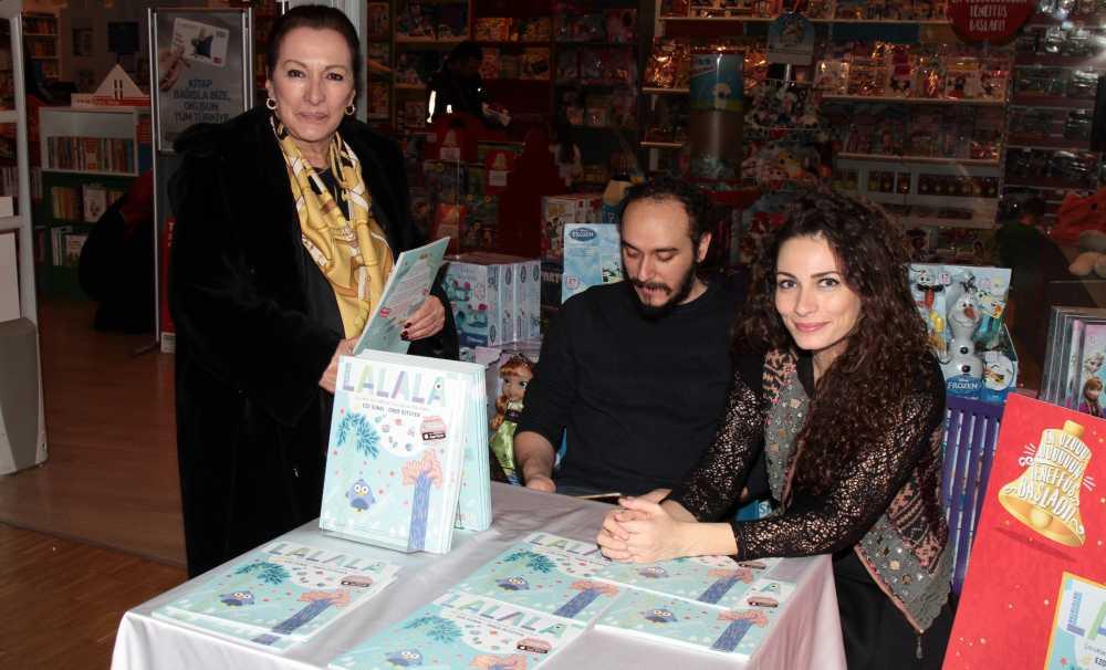 Kemal Sunal'ın kızı Ezo Sunal çocuklarla şarkılar söyleyip dans etti