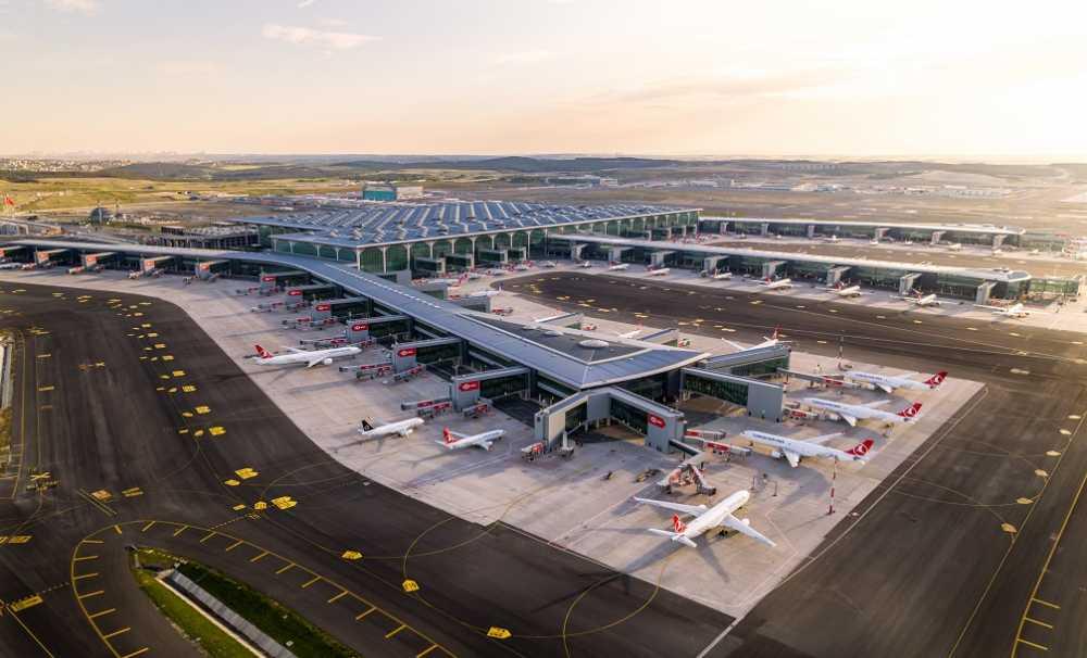 İstanbul Havalimanı'nda Yapımı Tamamlanan 3. Bağımsız Pistin Açılışı Yapılıyor....