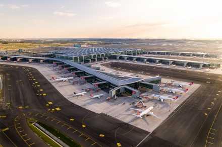 İstanbul Havalimanı'nda Yapımı Tamamlanan 3. Bağımsız Pistin Açılışı Yapılıyor….