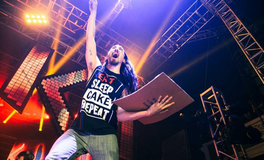Elektronik dans müziğinin çılgın ismi Steve Aoki 13 Şubat'ta Volkswagen Arena'da!