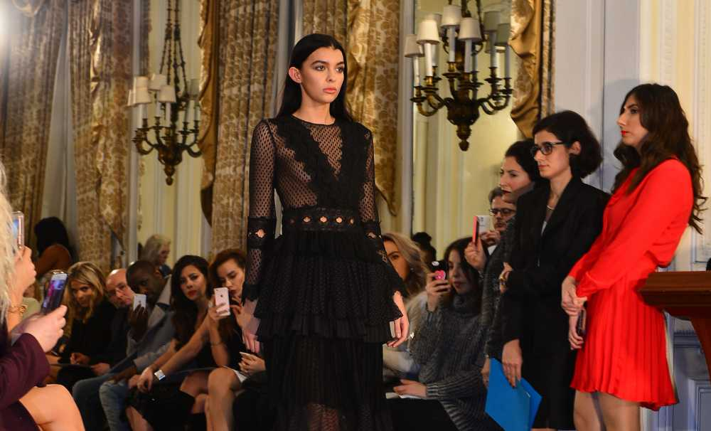 "Londra Fashion Week'de ""15 Temmuz"" Sergisi"