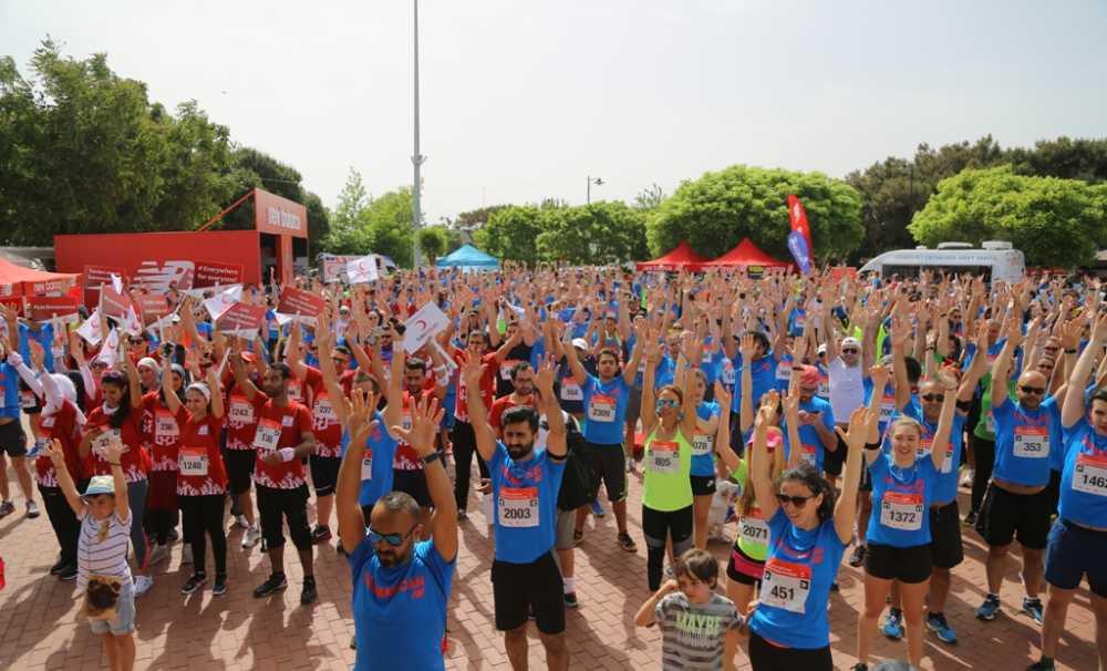 New Balance Bozcaada Yarı Maratonu'nda3 Bin Kişi Doğa ile İç içe Koştu