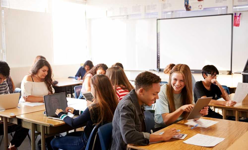 Dünya ülkelerinin yarısından çoğu hibrit eğitime geçmeyi planlıyor...