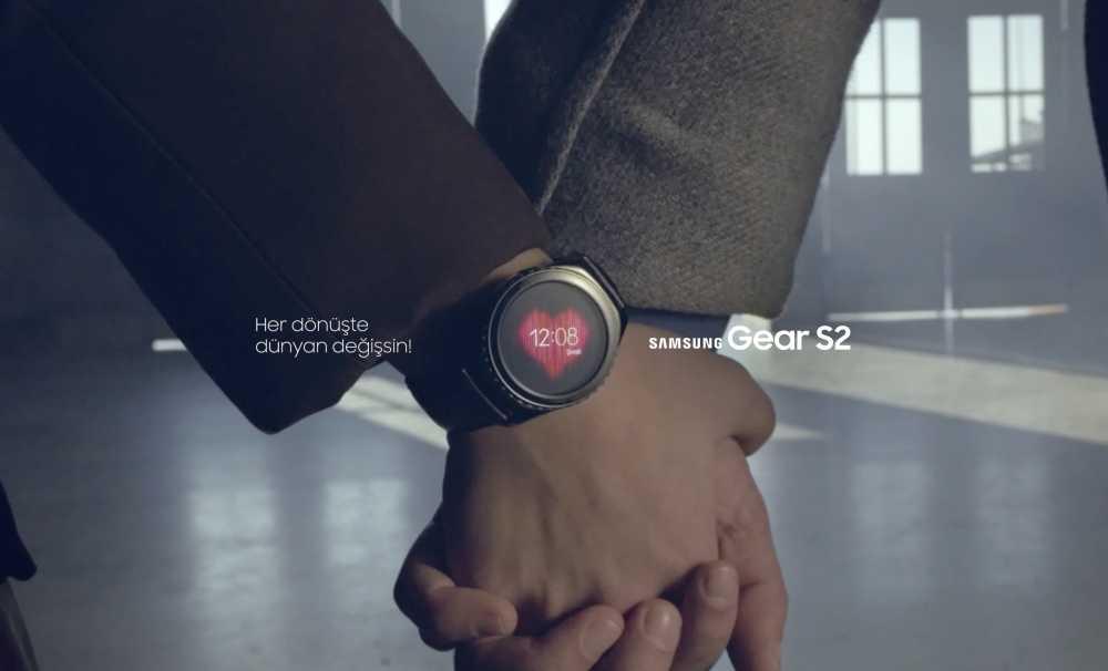 """Samsung'un yeni akıllı saati Gear S """"Dön Bebeğim"""" müzik videosuyla başrolde!"""