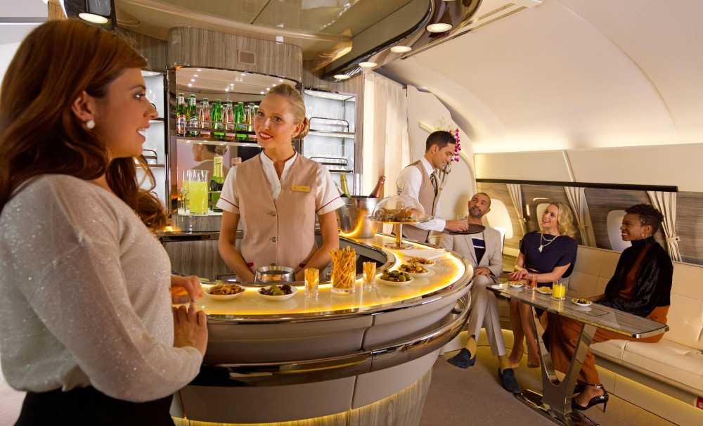 Emirates, A380'in 9'uncu Yılını, Yenilenen Onboard Lounge ile Kutluyor
