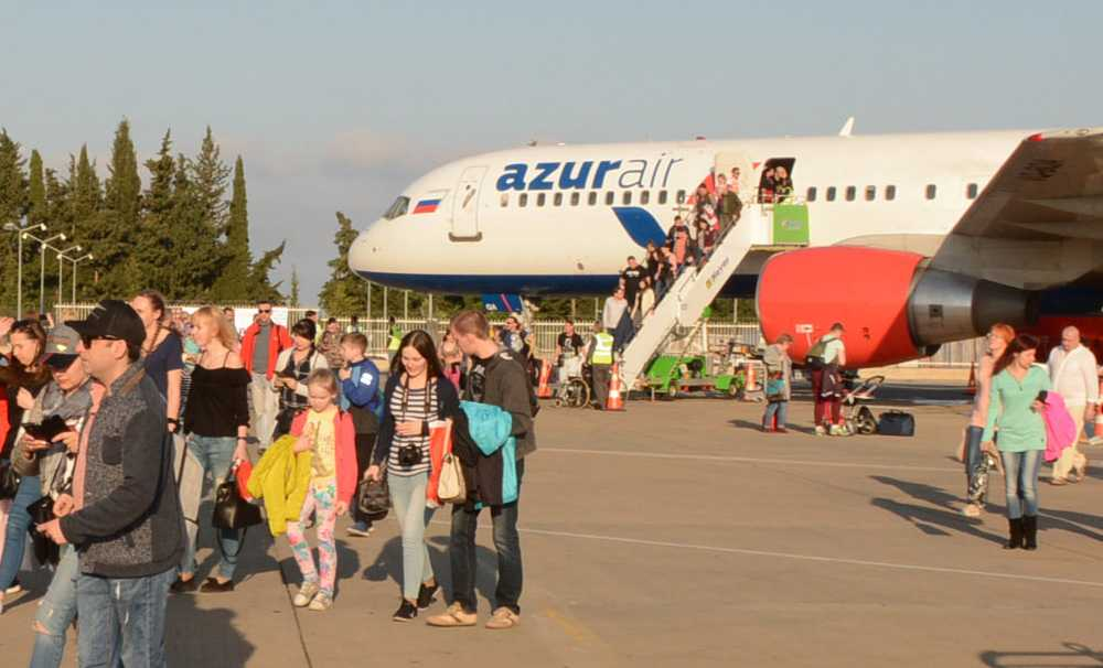 Gazipaşa Havalimanı ilk B757'yi karşıladı