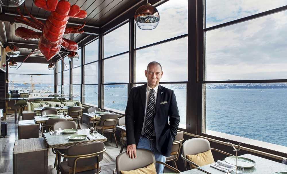 Emre Ergani'nin yeni restoranı Octo'yla şehirde kalanlara bambaşka bir yaz deneyimi....